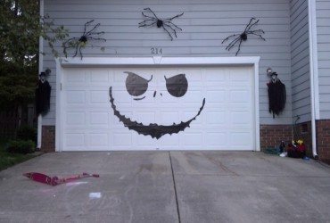 Removable vinyl garage door graphic