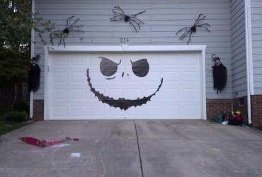 Removable vinyl garage door graphic